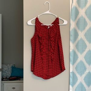 Red and black houndstooth Elle ruffled blouse!